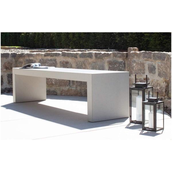 """efecto Outdoor Beton-Sitzbank """"Gabi"""" auf der Terrasse"""