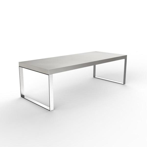 Outdoor Beton Tisch Nico in silbergrau mit Metallkufen von efecto