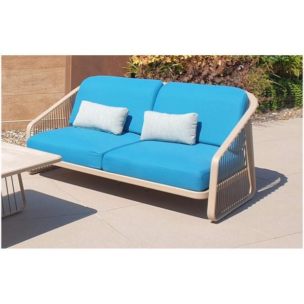 CORO Outdoor Lounge Sofa in Beige mit türkisen Polstern für 2 Personen